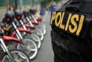 """Kepolisian Negara Republik Indonesia (Polri) mengimbau masyarakat waspadai ancaman teror yang disebar melalui pesan berantai pada telepon seluler atau """"broadcast"""" menjelang Tahun Baru."""