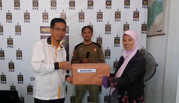 Ketua DPD PKS Muaro Jambi, H. Raden Fauzi, A.M Kep diam-diam menjaring aspirasi masyarakat, dan siap maju untuk Pilbup Muaro Jambi. Ternyata, Ia mengantongi restu partai.