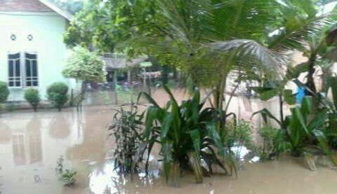 6 Rumah Desa Trimulya Jaya Terendam Banjir, Ini Rupanya Penyebabnya