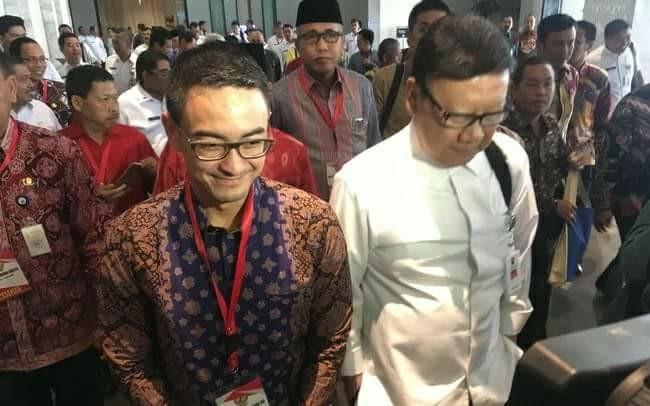 Kementerian Dalam Negeri menggelar rapat koordinasi dengan Gubernur, Sekda, dan Kepala Kesbangpol se-Indonesia. Ada tepuk tangan untuk Gubernur Jambi kala itu.