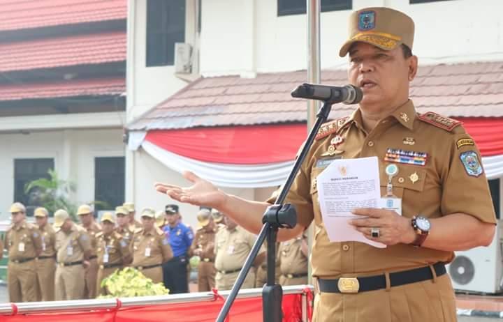Sibawaihi saat menjadi inspektur upacara kedisiplinan di halaman depan Kantor Bupati Merangin kemarin (6/8) mengungkapkan dirinya menjadi Plh Bupati Merangin