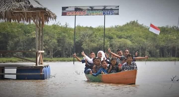 Destinasi wisata baru lagi, Bupati Muaro Jambi resmikan objek wisata Danau Tangkas. Sejumlah kelebihan tempat ini, layak menjadi rekomendasi