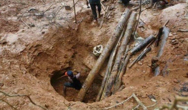 Tragedi tambang lubang jarum di Desa Simpang Parit, Kecamatan Renah Pembarap, Minggu (02/09) menelan 26 jiwa. Hal ini terungkap di hari kedua.