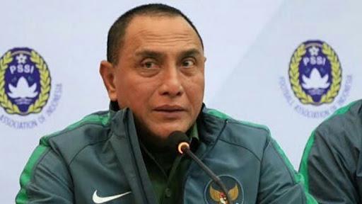 Edy harus mundur sebagai Ketua Umum PSSI, ketika Edy Rahmayadi terpilih sebagai kepala daerah di Sumatera Utara (Sumut).