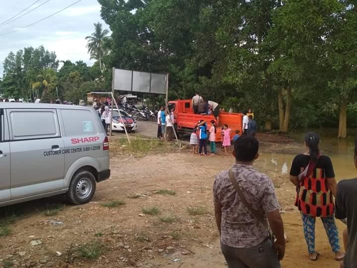Berita Kabar Jambi - Mobil Dinas Camat Jangkat Timur, Rabu (12/12/18) tenggelam di Batanghari saat banjir. 3 tewas, dalam peristiwa itu.