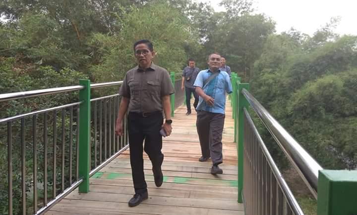 Di sela-sela kunjungan di Ruang Terbuka Hijau (RTH) Taman Anggrek Jambi, Selasa (8/1/18), Ketua DPW PAN Provinsi Jambi, H Bakri menyampaikan tanggapan terkait posisi Wagub Jambi.