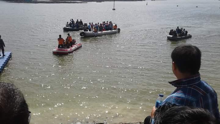 Para peserta menjajal Danau Sipin jelang kejuaraan dimulai.