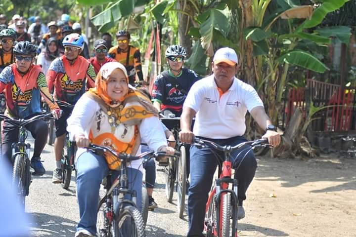 Bupati Muaro Jambi gowes dengan komunitas