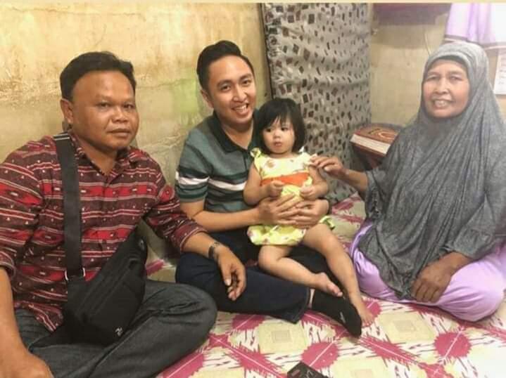 TKI Meninggal, Ketua DPRD Sungai Penuh, Fikar Azami diam-diam ke Negeri Jiran keluarga dan anak dari mendiang Dewi Nona, Selasa (02/07/19).