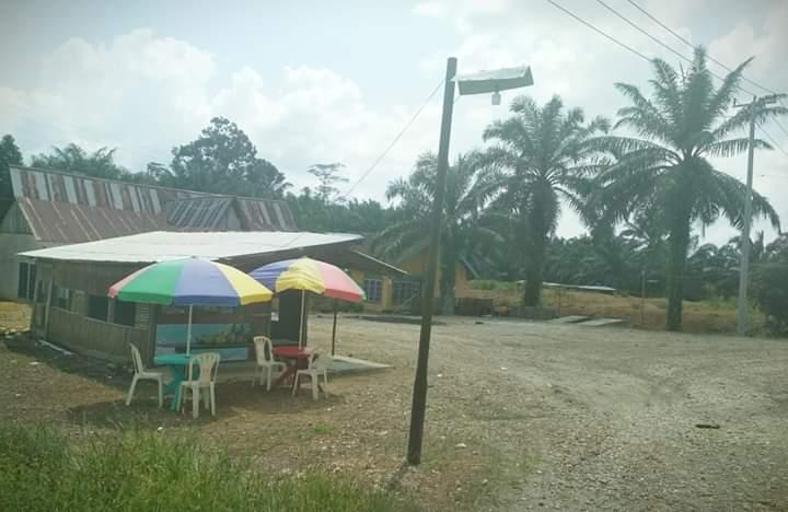 Lokalisasi berkedok rumah makan merebak di Pamenang. Dugaan ini merebak, warga meminta polisi tak tinggal diam. Salah satu rumah makan yang diduga menjadi tempat.