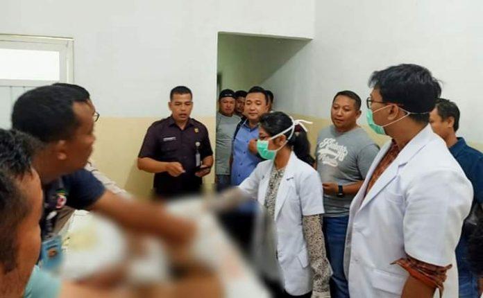 Jenazah Madan usai tewas baku tembak dengan tim gabungan Polda Jambi, Sabtu (24/08/2019). Madan Saifudin Harahap (24) sebelumnya disergap di Kumpeh, Kabupaten Muaro Jambi.