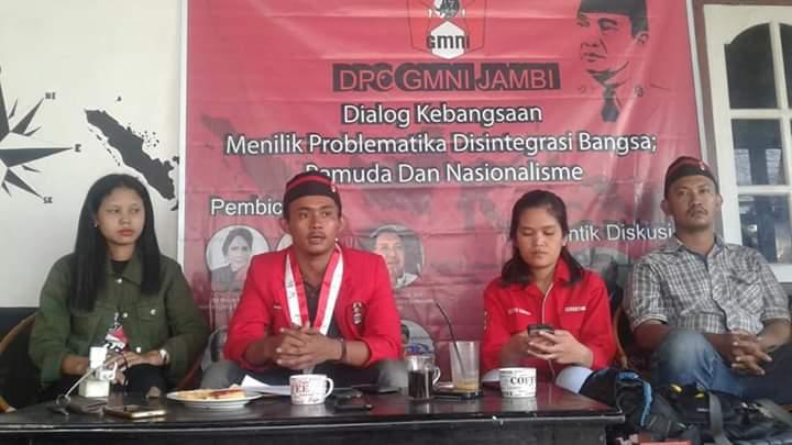 Ketua DPC GMNI Jambi, Tulus saat gelar pertemuan bersama awak media, jelaskan kegiatan Dialog Kebangsaan, Jumat (30/08/2019), Foto : Dinamikajambi.com