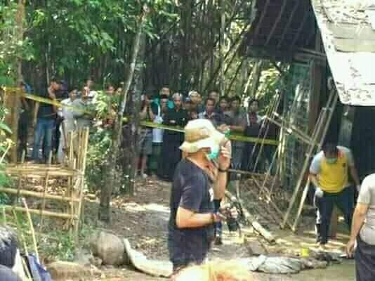 Polisi olah TKP penemuan mayat di dalam karung. Foto : istimewa