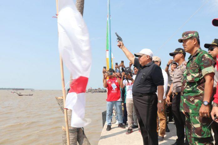 Bupati Melepas lomba Pompong yang merupakan acara untuk memeriahkan HUT Tanjabbar ke 54 dan HUT RI Ke 74