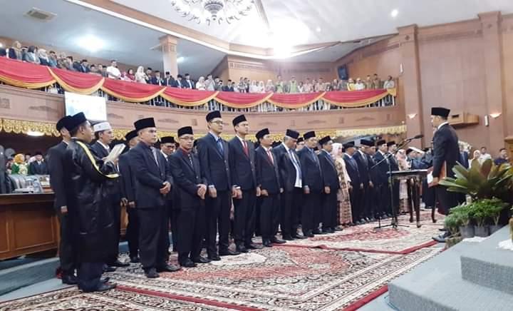 Bertempat di Gedung DPRD Muaro Jambi, pelantikan wakil rakyat periode 2019-2024, Jumat (30/08/2019) digelar.