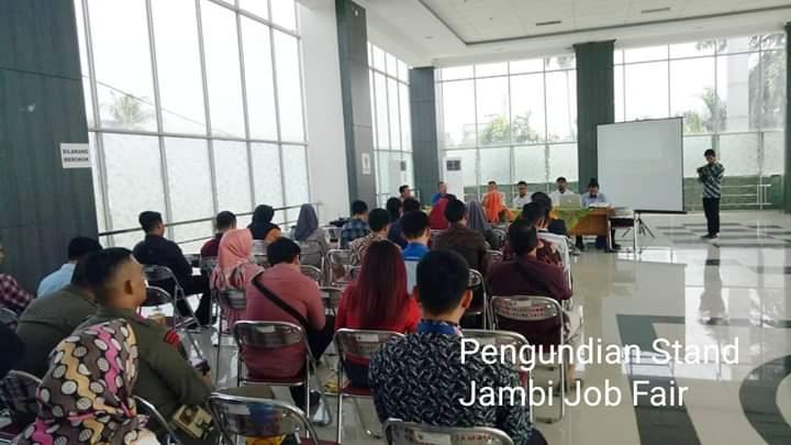 Perwakilan perusahaan yang ikut Jambi Job Fair 2019 tengah ikut pengundian stand dan hal lainnya di Dinas Nakertrans Provinsi Jambi, Kamis (29/08/2019) siang. Job Fair akan diikuti 55 perusahaan.