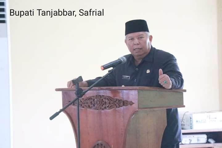 120 Tenaga pendidik dilingkup Pemerintah Kabupaten Tanjung Jabung Barat, diambil Sumpah Janji, oleh Bupati Tanjabbar Dr Ir.H Safrial, MS Kamis (29/08/19).