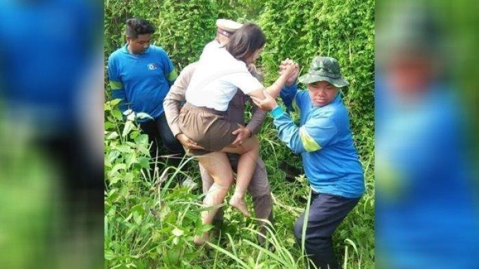 Tangkapan layar polisi mengendong perempuan, bukannya mendapat pujian. Namun sebaliknya, sang polisi dikabarkan luka dari sang istri yang dikabarkan cemburu berat.