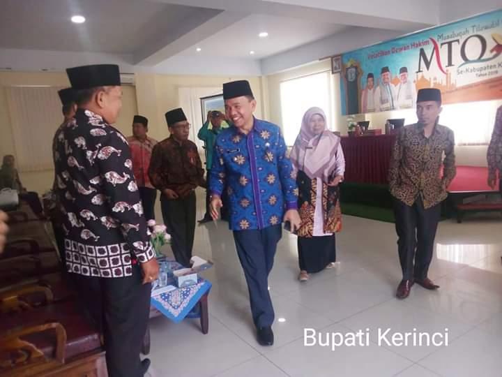 Bupati Kerinci, Adirozal, Kamis (05/09/2019) resmi buka Pelatihan Dewan Hakim MTQ seKabupaten Kerinci yang bertempat di Lamanda Resort.