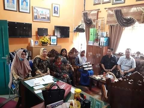 Sepatu Siswi Ditahan Sekolah, Dewan Provinsi Datangi SMAN 8 Merangin, Kamis (19/09/2019).