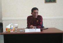 Rusdi, anggota dewan dari partai berkarya saat ditemui di ruang kerjanya, Jum'at (20/09/2019). Foto : DinamikaJambi.com