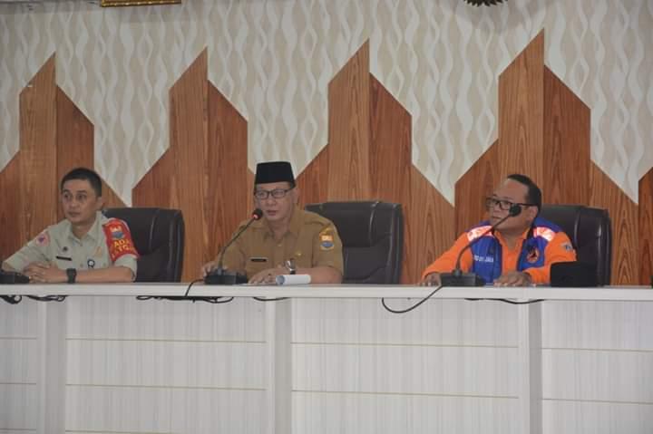 Terima bantuan puluhan personil Satgas Karhutla dari DKI Jakarta guna membantu pemadaman di Muaro Jambi, pesan Sekda agar hati-hati