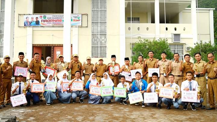 Pemerintah Kota Sungai Penuh memperingati Hari Olahraga Nasional (HAORNAS) ke-36 tahun 2019, Senin (9/9/2019) bertempat di lapangan Kantor Wali Kota Sungai Penuh.