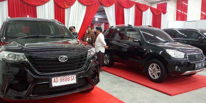 Mantan Cawapres dan sosok pengusaha, Sandiaga menilai positif Esemka yang diluncurkan Jokowi pada Jumat (06/09/2019) malam. Foto : Launching Esemka, Merdeka