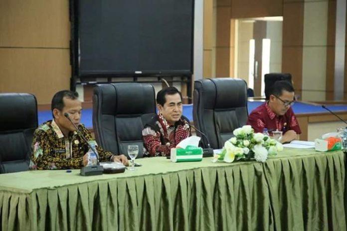 Dilaksanakan di Aula kantor Wali Kota Sungai Penuh, rapat persiapan Tour de Singkarak di pimpin langsung Walikota, H. Asafri Jaya Bakri (AJB), Kamis (5/9/2019)