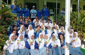 Para siswa SMAN 12 dan penghargaan