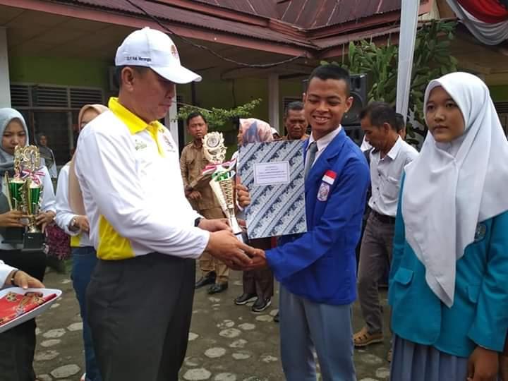 Sekolah yang terletak di Desa Pinang Merah, Kecamatan Pamenang Barat, Kabupaten Merangin kali ini,b meraih juara terbaik dalam perlombaan poster PMR.