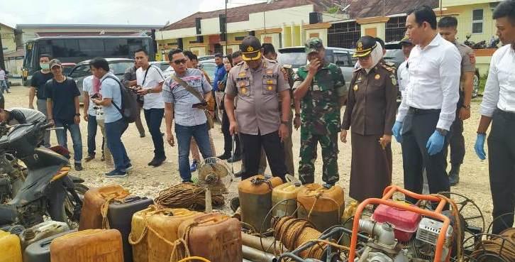 Kapolres Batanghari, Kamis (09/10/2020) menunjukkan hasil operasi tambang ilegal.