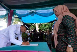 Bupati Masnah Lantik Kades Gedong Karya, Kamis (30/01/2020). Bupati berharap kades dapat mewujudkan pembangunan dan kesejahteraan. Foto : BudakodaK