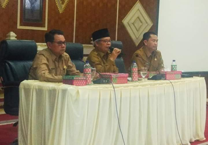 Wabup Kerinci Ami Taher Kumpulkan 180 Tenaga Honorer