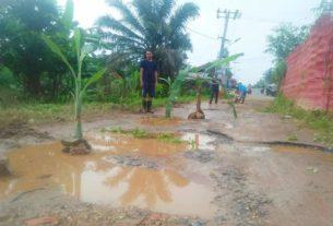 Dari 2006 Jalan Rusak di Kampung Bugis Tak Disentuh Pemkot Jambi