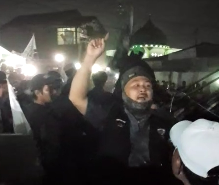 Jemaah Masjid Dilempar Batu, Picu Bentrok Kelompok Warga di Perumnas Mandala, Sumut, Jumat (24/01/2020) malam.