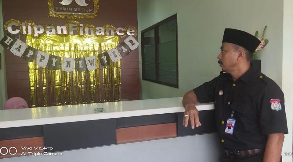 Ketua LPKNI dan debitur mendatangi Clipan Finance di Bungo, Kamis (16/01/2020) pagi terkait denda besar.
