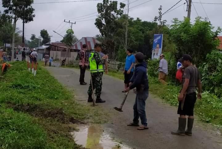 Aparatur Desa di Sungai Penuh Gelar Gotong Royong Bersama