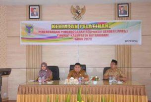 Kepala Dinas DPPKBP3A Buka Pelatihan PPRG
