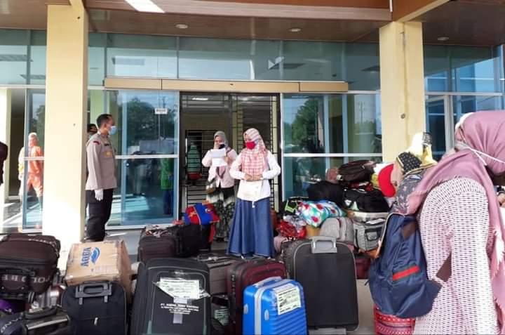 162 Santri Dari Jawa Timur Tiba di Tanjabbar