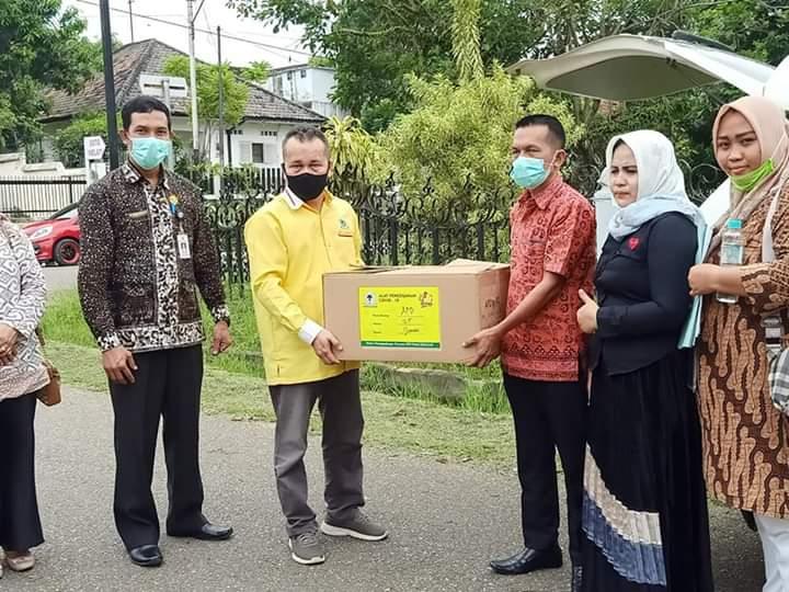 DPD I Golkar Jambi Salurkan APD ke RSUD Raden Mattaher