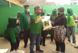 Bantu Masyarakat Ditengah Corona, PPP Berikan Beras Gratis
