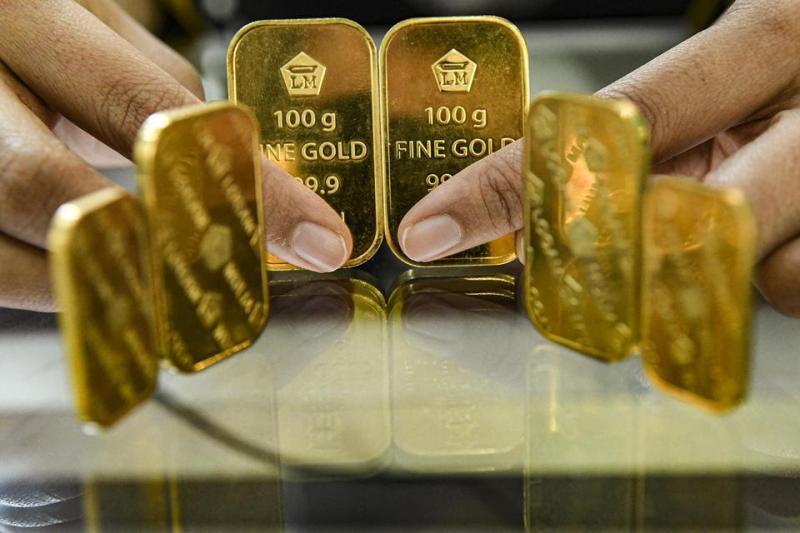 Harga emas batangan PT Aneka Tambang Tbk terbaru anjlok tajam, Rabu 8 April 2020. Harga turun dibandingkan harga sesi perdagangan Selasa.
