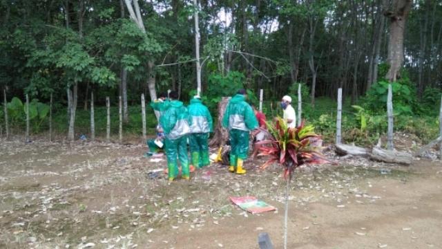 Bupati memberikan apresiasi terhadap penanganan pemakaman warga PDP Covid-19. Ia mengingatkan warga tetap PHBS dan pakai masker.