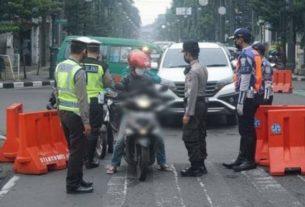 Polisi Main Mata Dengan Pemudik, Terancam Akan Dipecat