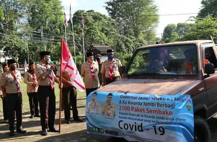 PJ Sekda Melepas Pemberangkatan 2100 Paket Sembako