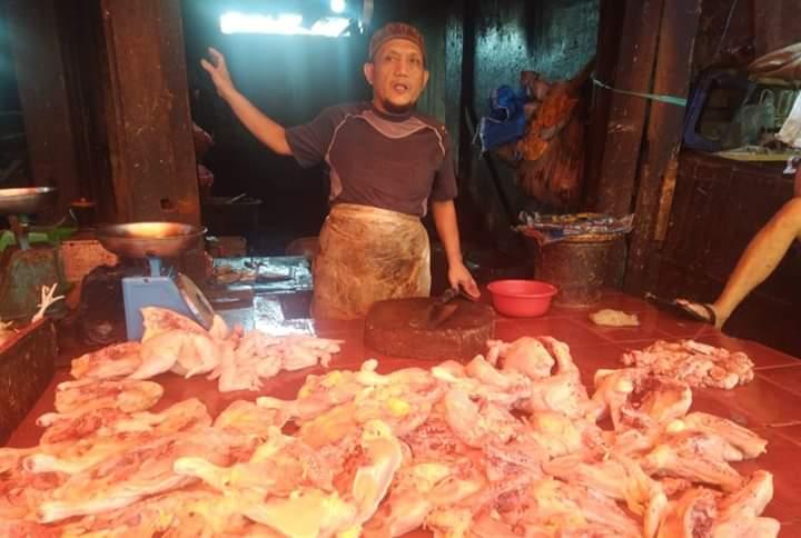 Harga Ayam di Tanjabbar Merangkak Naik
