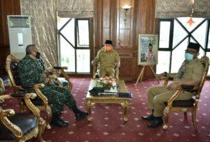 Gubernur Jambi, Fachrori Umar Sambut Kunjungan Danrem 042/Gapu, Kolonel Kav M Zulkifli, Selasa (28/04/2020) di Ruang Kerja Kantor Gubernur
