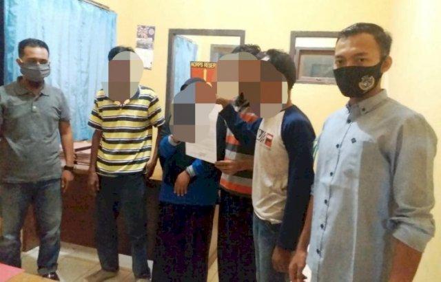 Menjalin kasih dengan 2 pria, perselingkuhan SD berakhir. Tak nafsu dengan suami, IRT di Merangin ditangkap dengan 2 pria.