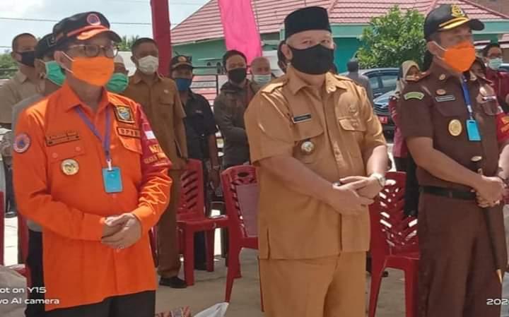 Gubernur Jambi Serahkan Bantuan JPS Covid-19 di Tanjabbar